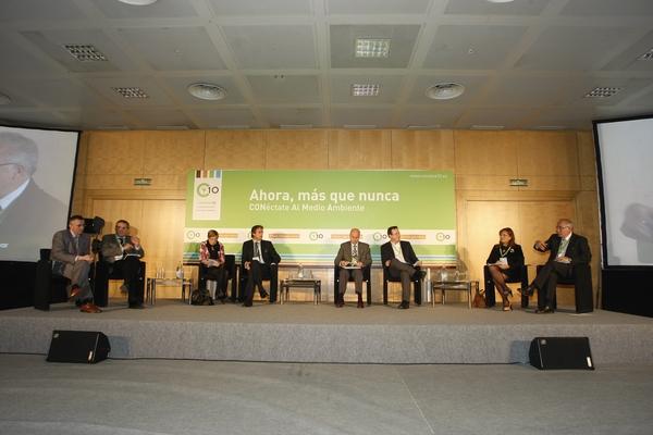 Mesa de ponentes 2