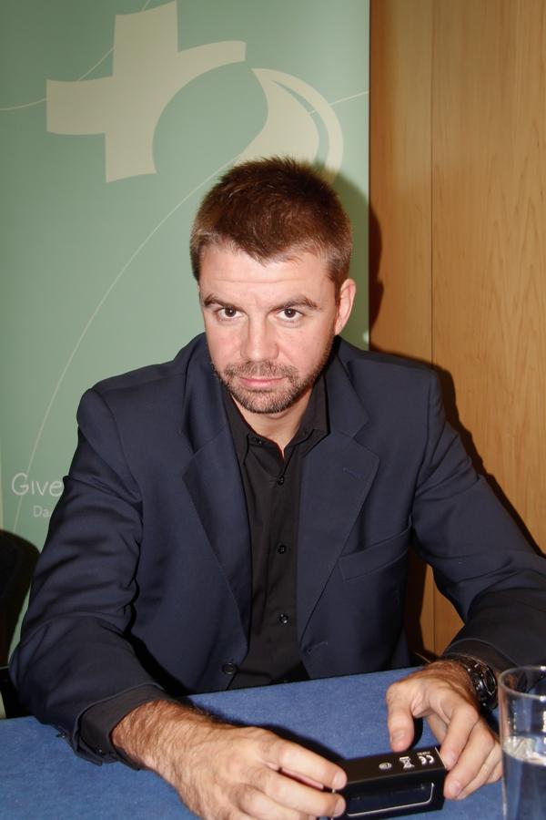 Eduardo Peña
